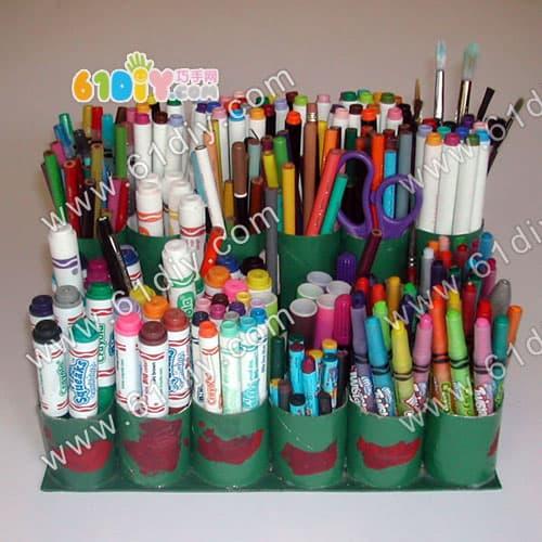 卷纸芯笔筒手工制作