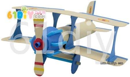 保鲜膜纸筒制作飞机模型