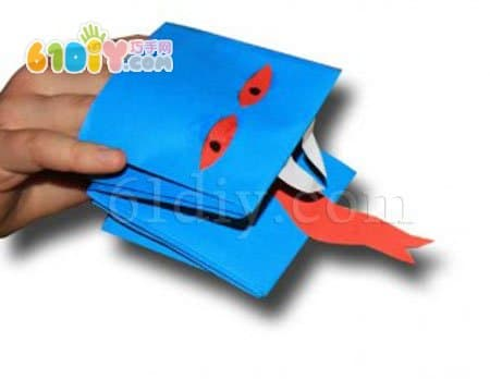 简单的折纸蛇玩偶