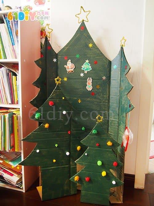 用废纸板制作大圣诞树_纸盒手工_巧巧手幼儿手工网