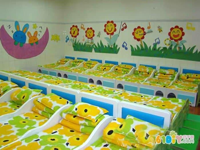 幼儿园寝室墙面布置 小兔和小花