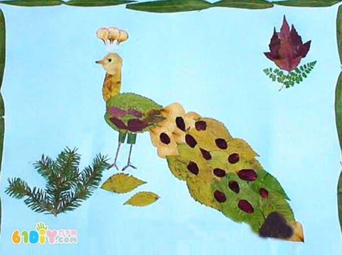 孔雀树叶贴画作品 3