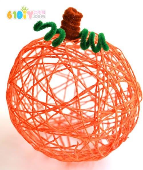 利用气球手工制作万圣节装饰南瓜图片