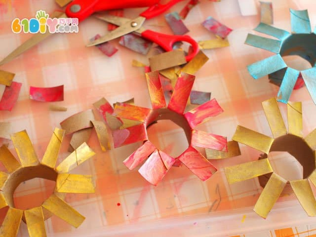 儿童diy 卷纸芯制作可爱的花束