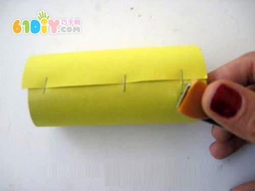 儿童手工制作可爱的纸筒小蜜蜂_纸筒手工_巧巧手幼儿