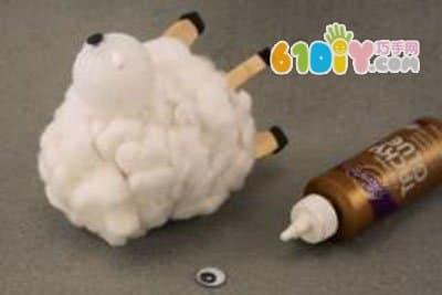 怎样制作纸杯小绵羊_纸杯手工