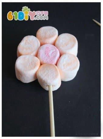 儿童手工制作棉花糖花朵花盆
