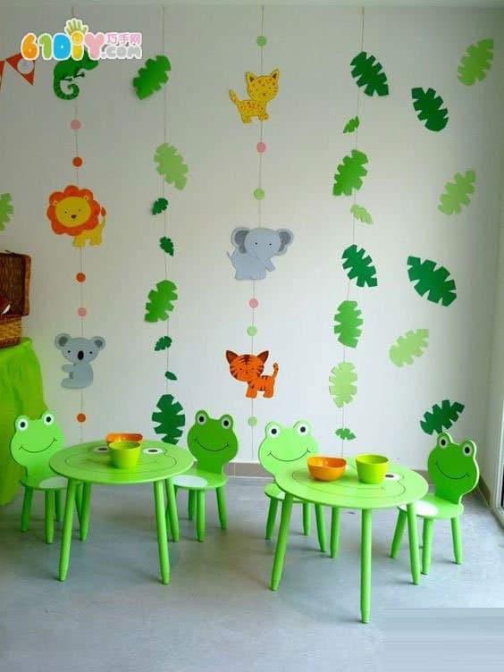 首页 幼儿园环境布置 吊饰     笑脸花朵