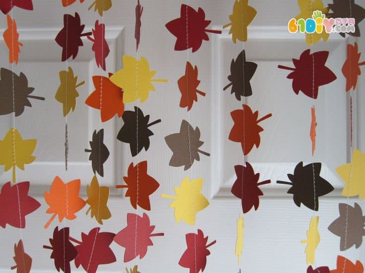 Fall Classroom Window Decorations ~ 好看的幼儿园吊饰环创 吊饰 巧巧手幼儿手工网
