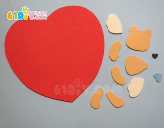 手工材料: 海绵纸或者卡纸,小夹子, 丝带,胶水,剪刀,笔, 光盘,小