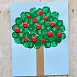 幼儿手工制作 酒瓶塞印苹果树